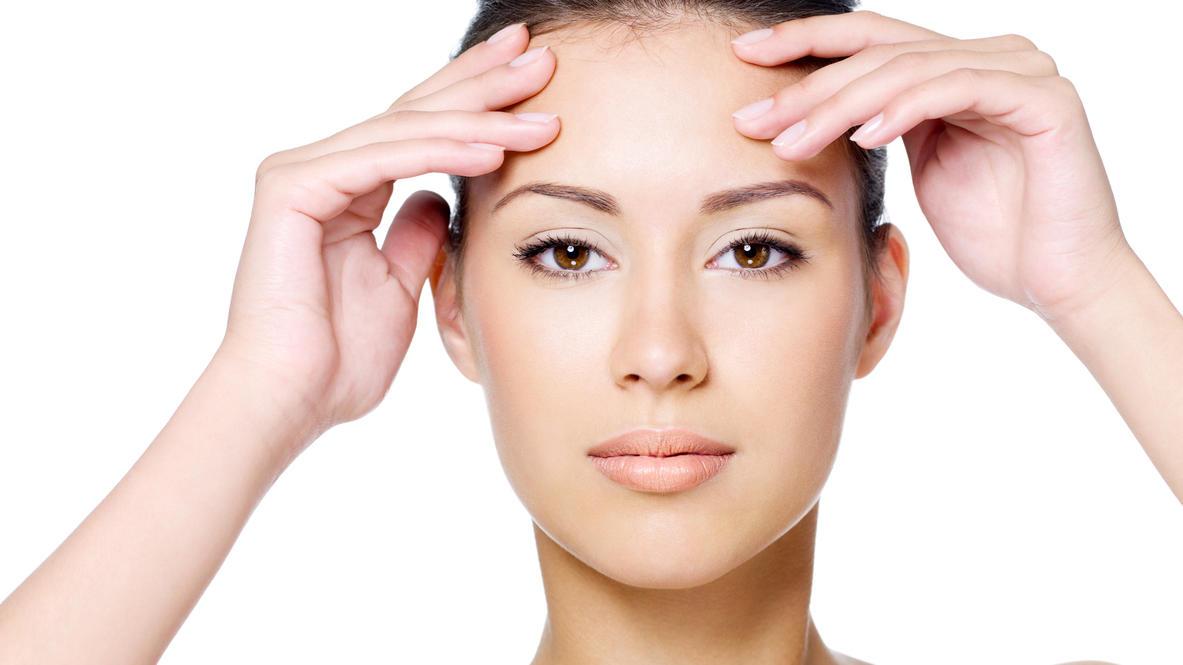 Hohe Stirn Diese Frisuren Kaschieren Die Stirnpartie