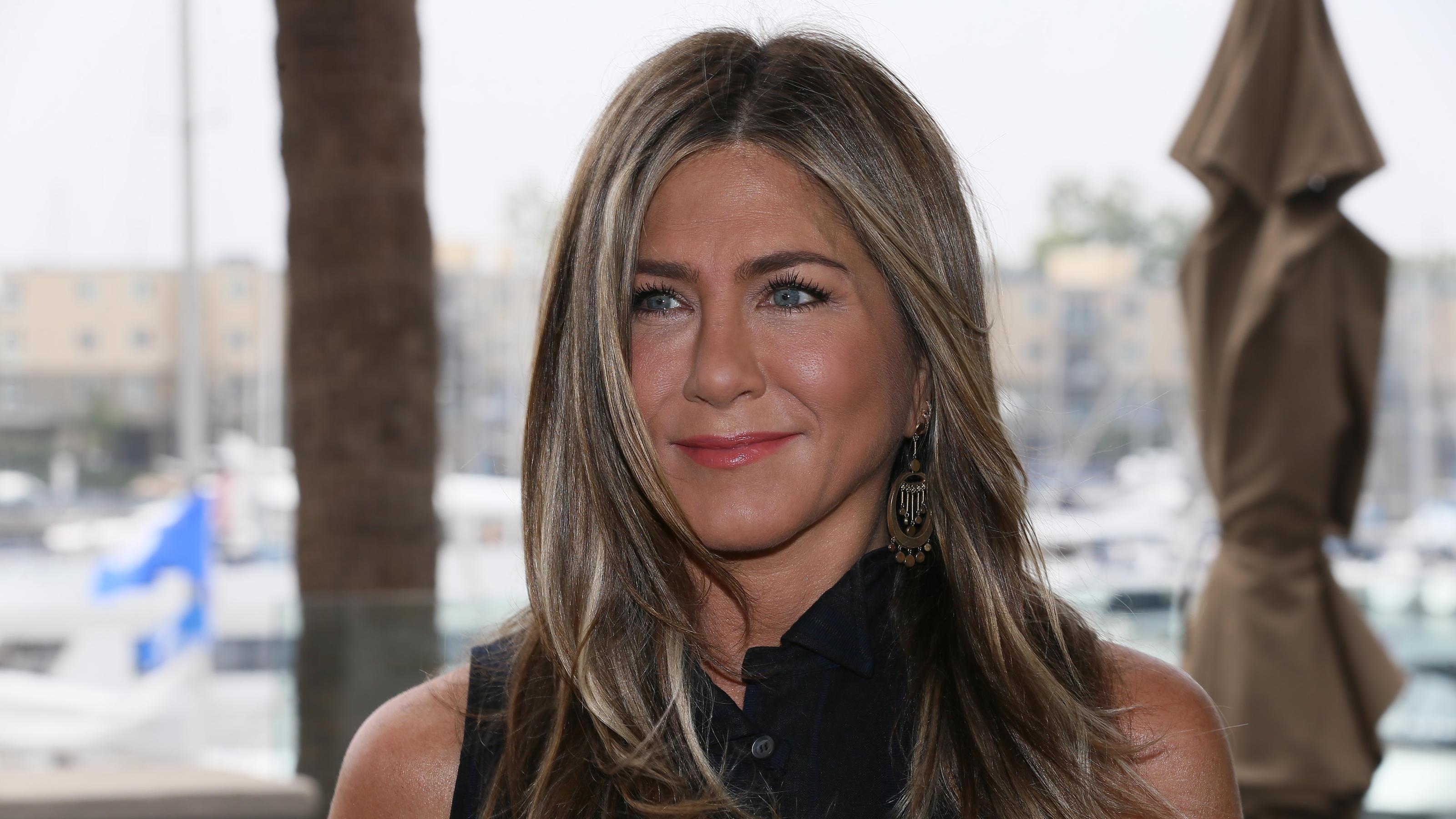 Deshalb Hat Jennifer Aniston Immer Die Gleiche Frisur