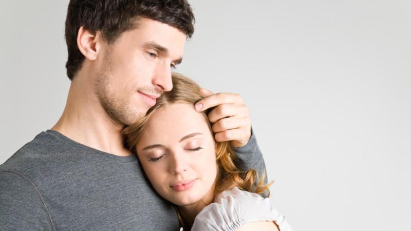 Wange an körpersprache wange umarmung Umarmung: Welche