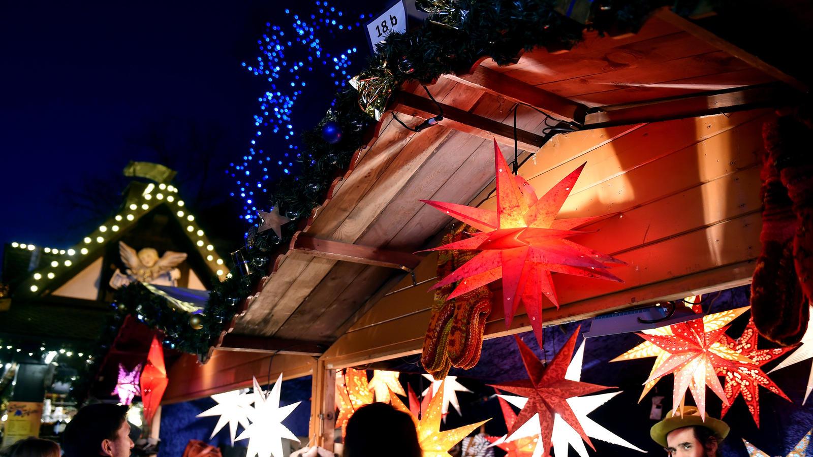 Die Ersten Weihnachtsmärkte Haben Geöffnet
