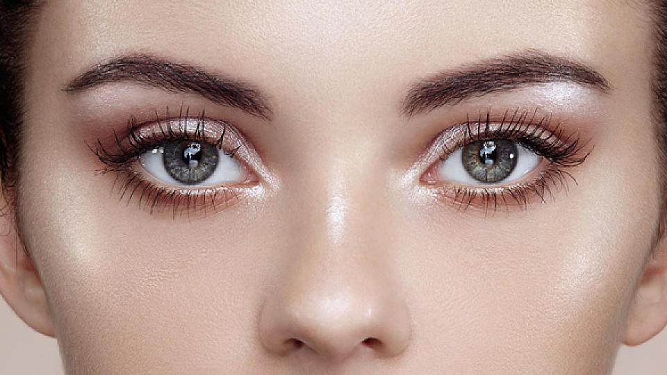 Augen größer schminken: 3-Punkte-Trick für den wachen Blick