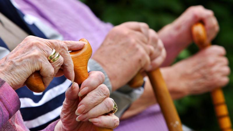 Kampf Gegen Altersarmut Spd Will 850 Euro Garantie Rente