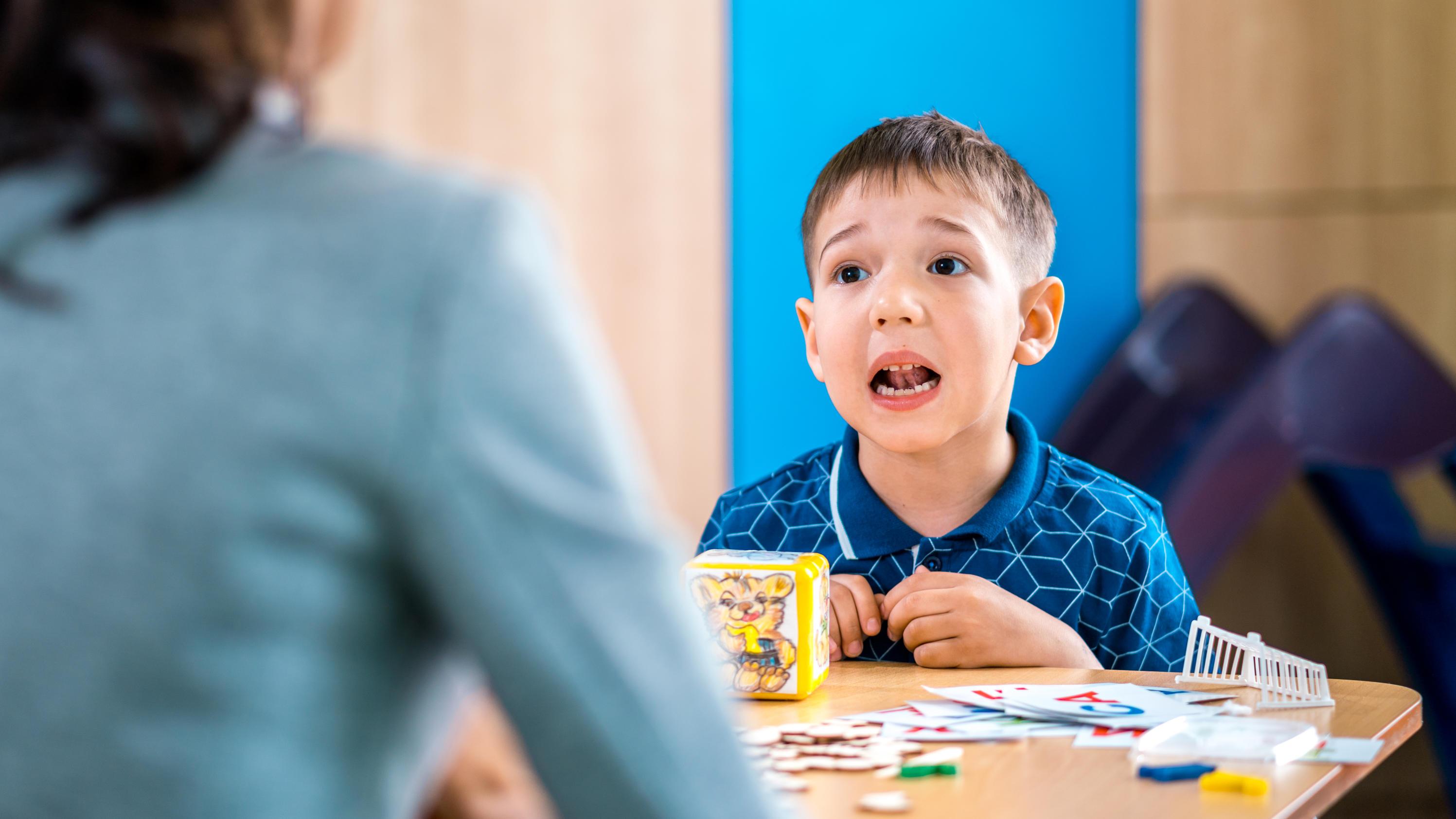 Therapie gegen Stottern bei Kindern: Ab wann ist sie nötig?