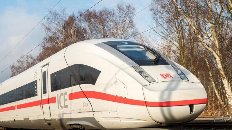 ICE-Zug Strecke zwischen Hamburg-Hauptbahnhof und Harburg gesperrt - RTL Online