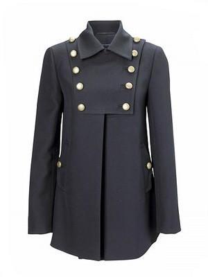 Mantel unten weit ausgestellt