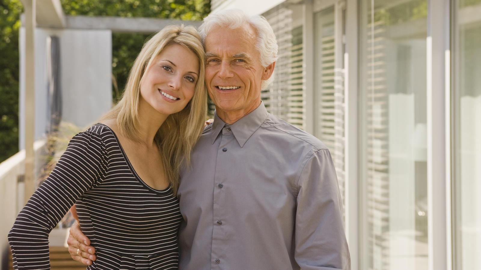 Altersunterschied in der Beziehung: So prägt das Alter der