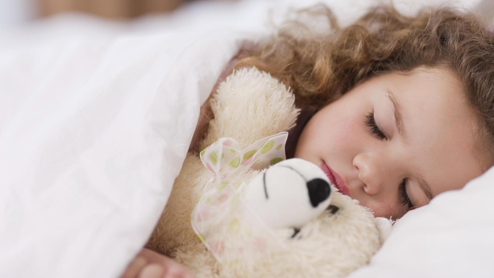 einschlafprobleme bei kindern mit diesen tipps schlafen die kleinen besser ein. Black Bedroom Furniture Sets. Home Design Ideas