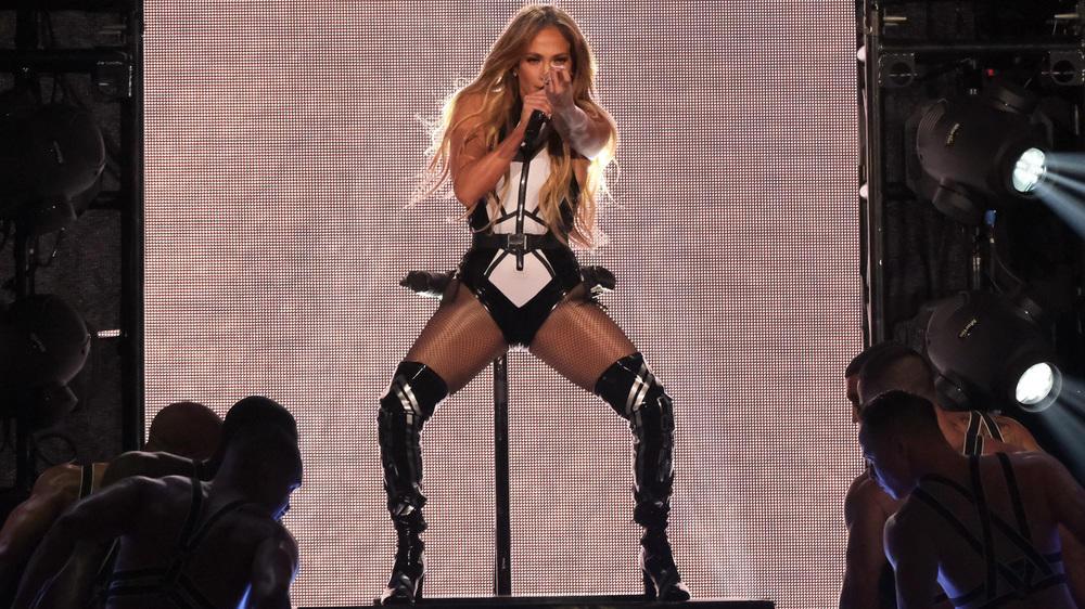 Jennifer Lopez: Wilder Auftritt im Latex-Body - RTL Online