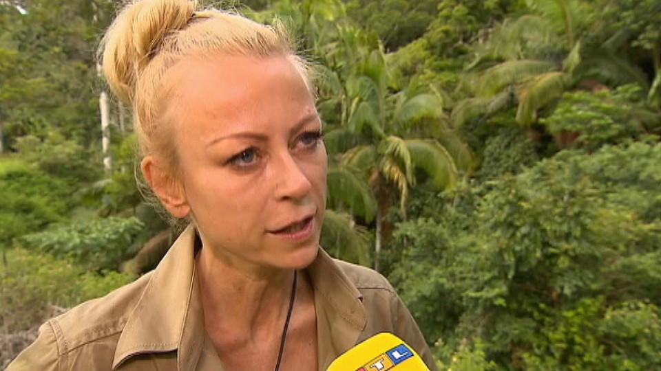 Dschungelcamp 2016 Tag 9 Jenny Elvers Ist Wirklich Happy
