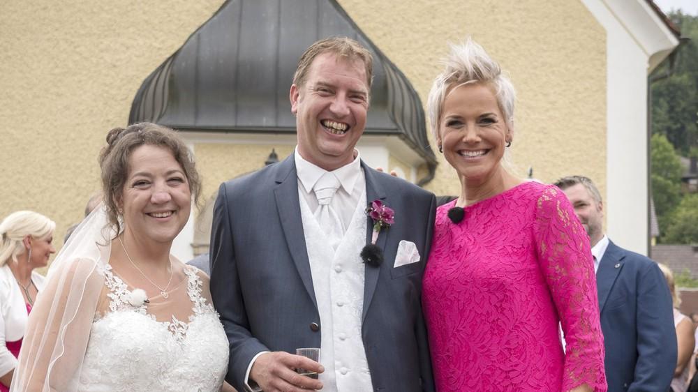 Bauer Sucht Frau Special Rtl Zeigt Die Sechs Hochzeiten Aus 2018