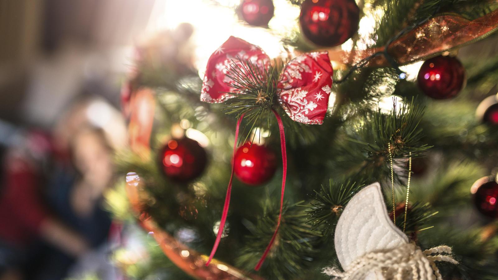 spitzen fur weihnachtsbaum frohe weihnachten 2019 2020. Black Bedroom Furniture Sets. Home Design Ideas