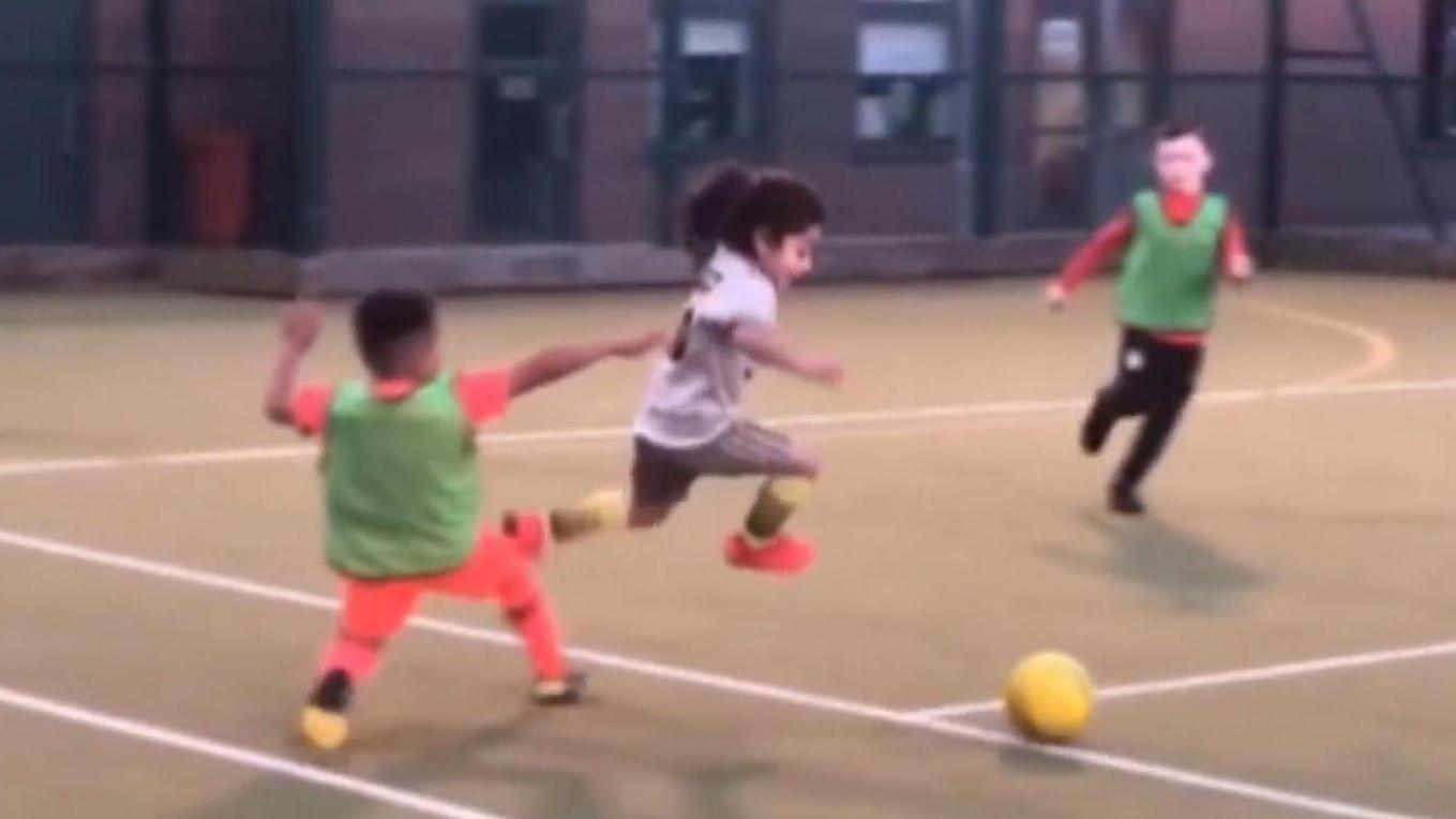 Fußball: 6-Jähriger kickt wie Lionel Messi und beeindruckt das Netz - RTL Online