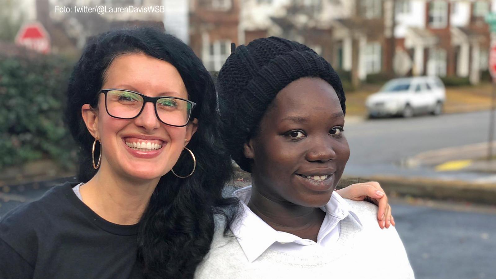 Fremde Frau hilft schwangerer Obdachloser (19) aus Atlanta