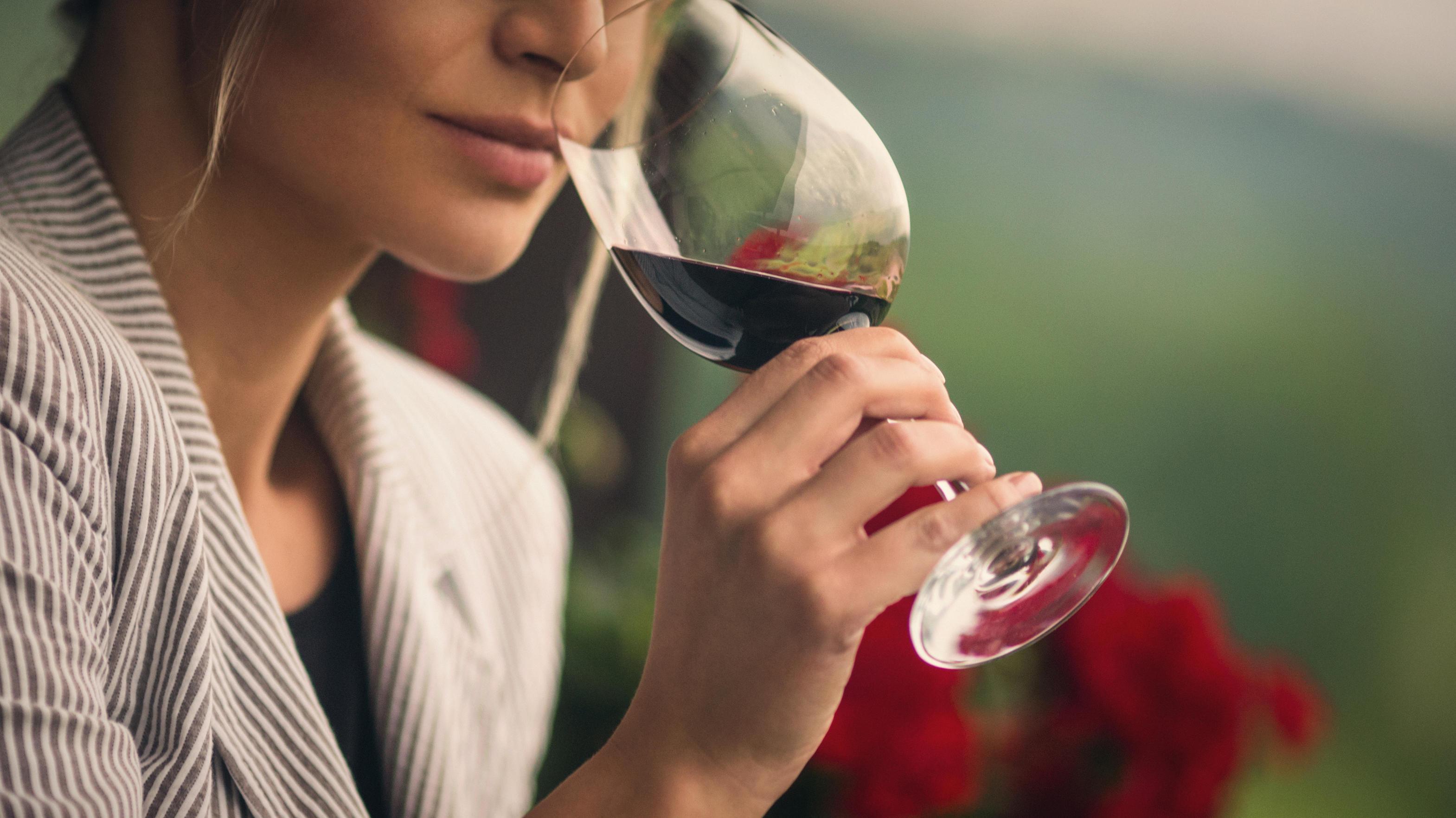 Neue Studie: Ein Glas Wein pro Tag ist NICHT gut für die