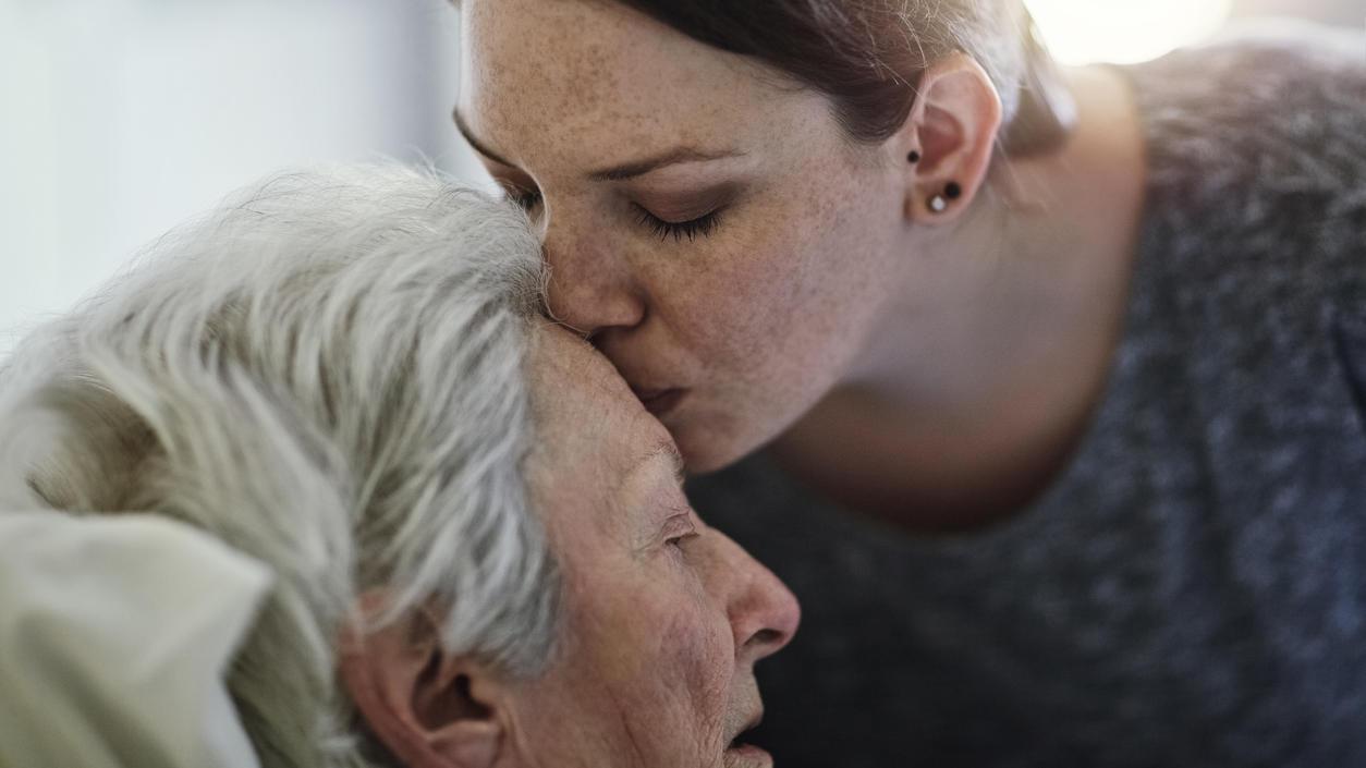 Pflege zu Hause statt im Heim: Was Angehörige bei häuslicher Krankenpflege beachten müssen