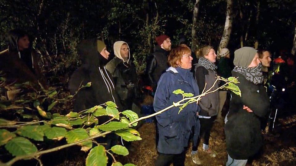 Psychoterror: Was nachts im Hambacher Forst passiert