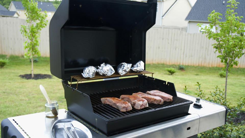 Test Gasgrill Jackson 4 : Grill test ist ein teurer gasgrill wirklich besser als ein grill